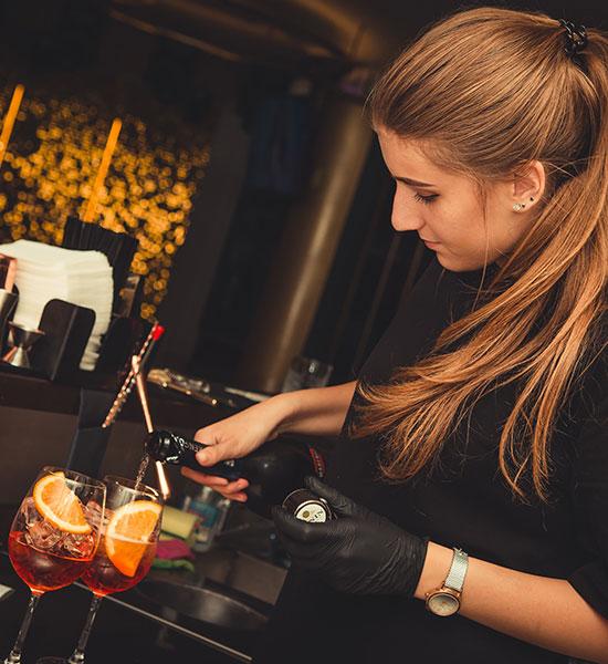 Alquilar un bar con bartenders profesionales