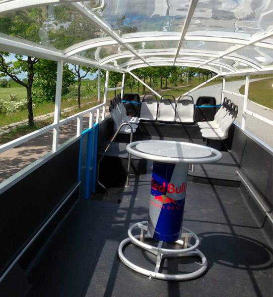 Barra libre: cócteles a bordo del autobús